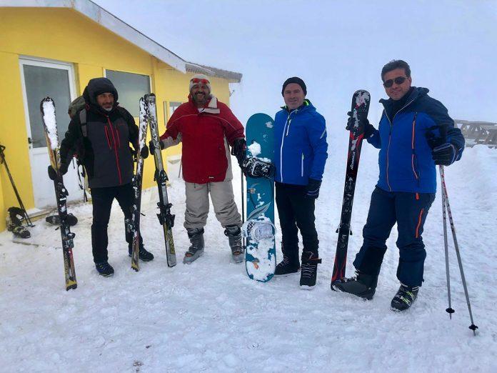 Alanya Akdağ Kayak İhtisas ve Spor Kulübü'nün geçtiğimiz yıl içerisinde kayak yarışmalarına katılma kararı almasıyla birlikte kulüp üyeleri kendi imkanları ile antrenmanlara başladı.