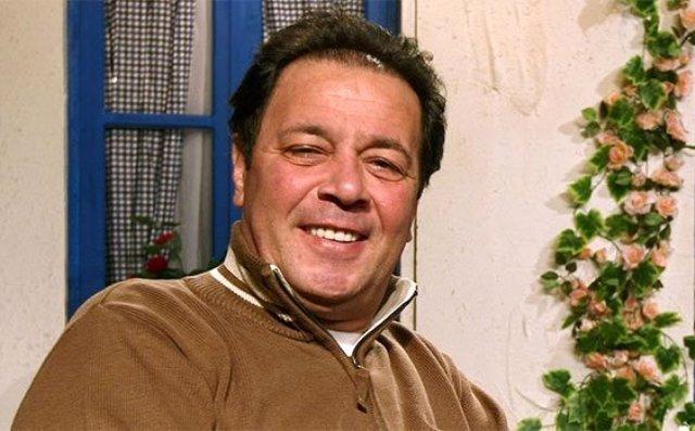 Ünlü oyuncu Yalçın Menteş, hayatını kaybetti. Acı haberi Yalçın Menteş'in oğlu Atilla Menteş, verdi.