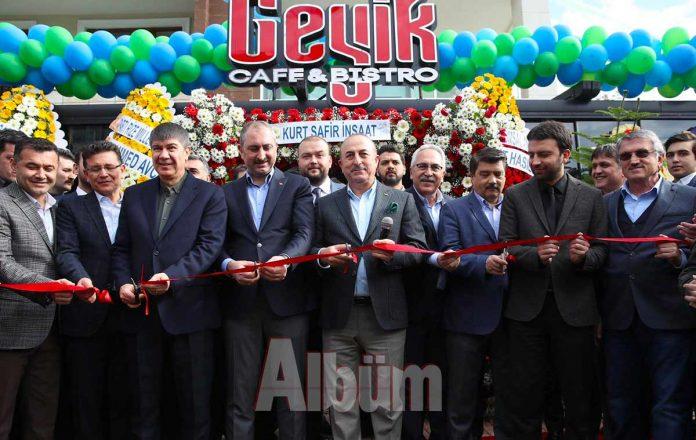 Geyik Cafe'ye görkemli açılış