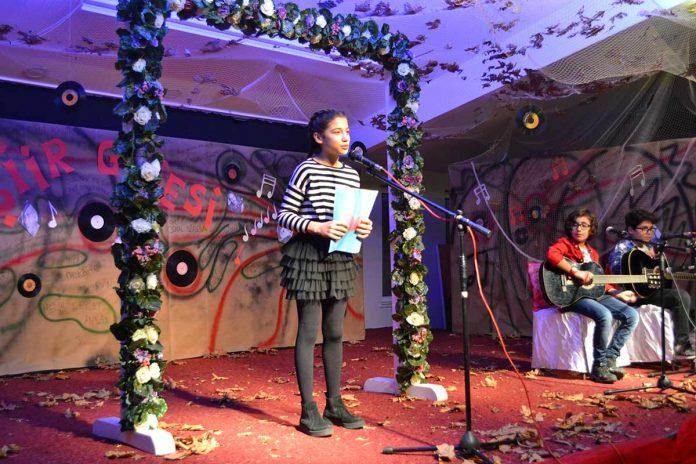ÖHEP Okulları 5. sınıf öğrencileri tarafından muhteşem bir şiir dinletisi gerçekleştirildi.