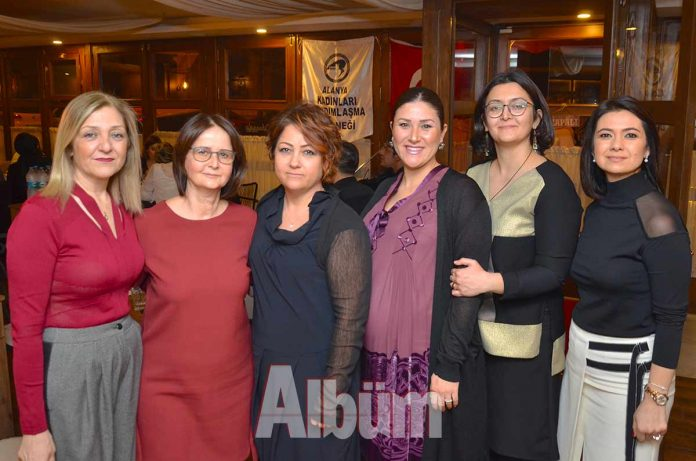 Cilvarda Restoran, Alanya Kadınları Yardımlaşma Derneği'nin yardım amaçlı düzenlediği fasıl dinletisine ev sahipliği yaptı.
