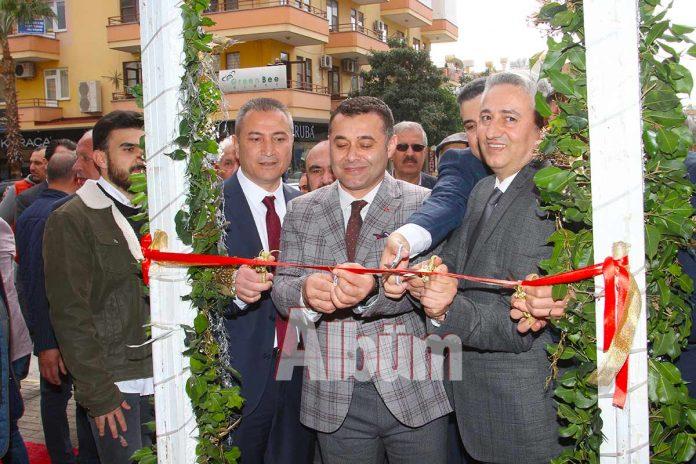 Kamburoğlu Kuyumculuk, tarafından geleneksel hale getirilen indirim günleri çadırı açıldı. 07-17 Şubat tarihleri arasında gerçekleşen kampanyaya ilgi yoğun.