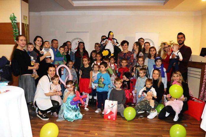 Alanya Polonyalılar Kültür ve Dostluk Derneği tarafından her yıl gerçekleştirilen 'Çocuk Karnavalı' Grand Okan Hotel'de yapıldı. Etkinlikte yer alan sihirbazlık gösterisi büyük ilgi gördü.