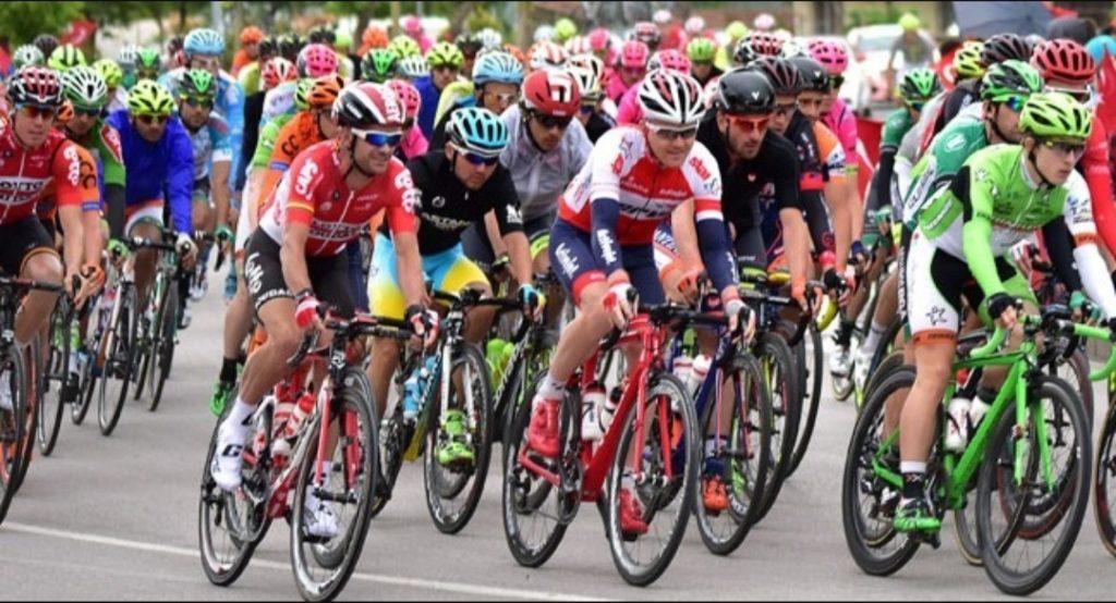Şubat ve Mart ayında Alanya'da yapılacak ve Dünya Bisiklet Birliği ( UCI ) puanı verecek 4 günlük yol bisikleti ve 9 günlük Dağ Bisikleti yarışları için yüzlerce sporcu yarış öncesi antrenman kampları için geldi.