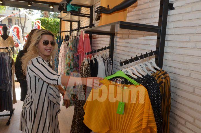 Bayan butik ürünlerinin satışa sunulduğu Rujj Elegance renkli bir törenle kapılarını hizmete açtı.