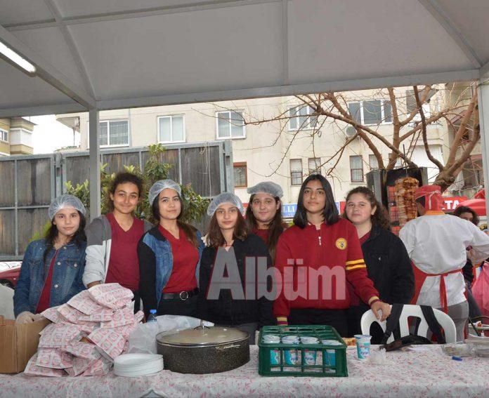 Eczacı Güzin-Velittin Bekrioğlu Mesleki ve Teknik Anadolu Lisesi tarafından geliri okul yararına kullanılmak üzere kermes düzenlendi.