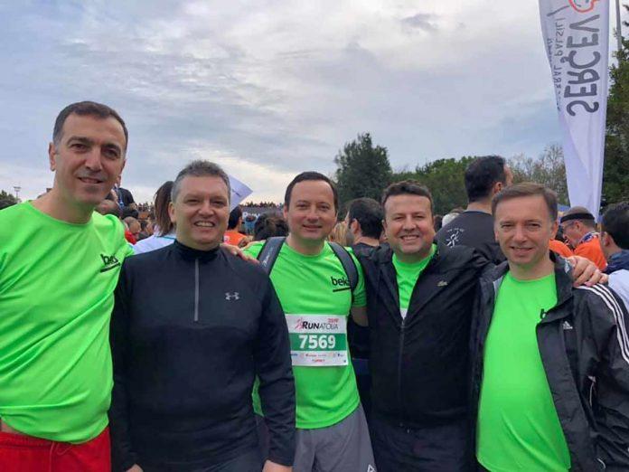 Alanya'nın köklü işletmeleri areasında yer alan Sabaş Home sahipleri Kerim ve Raşit Sadullahoğlu, Koşuya, Koç Topluluğu Spor Kulübü ile birlikte Antalya'da gerçekleşen Runatolia Antalya Maratonu Fetih Koşusu'na katıldı.