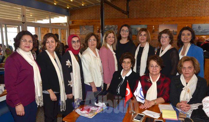 Alanya Kadınları Yardımlaşma Derneği üyeleri ve yardımsever kadınlar, Löküs Balık Restoran'da bir araya geldi. 8 Mart Dünya Kadınlar Günü dolayısı ile gerçekleşen etkinliğe çok sayıda yardımsever katıldı.