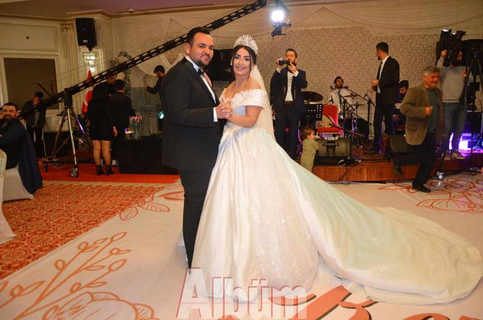 Asgard Group Emlak Danışmanlık sahibi Şirin Altürk ile En Börek'i Alanya'ya kazandıran Kerem Arslan, görkemli bir düğün töreninde hayatlarını birleştirdi.
