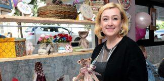 Alanya'da uzun yıllardır yerleşik olarak yaşayan Natalya Koşun, Matryoşhka Art Studio ismini verdiği sanat evinin açılışını gerçekleştirdi.