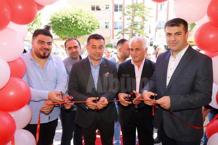 Hakan Kendirli'nin sahibi olduğu Nahita Restaurant'ın açılışı gerçekleştirildi.