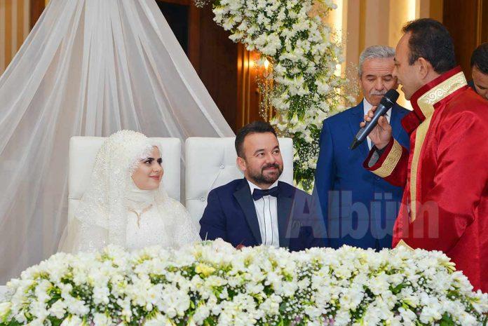 Alanya'nın genç işadamlarından Ramazan Özsoy ve Esma Kılıçkaya, D'Gala Event Congress'de yapılan muhteşem bir düğünle evlendi