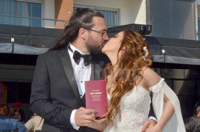Doğu Akdeniz Üniversitesi İletişim Fakültesi'nde öğretim görevlisi olan Mert Yusuf Özlük ile Yakın Doğu Üniversitesi'nde çocuk doktoru olan Yardımcı Doçent Neşe Akcan beraberliklerini evlilikle taçlandırdı.