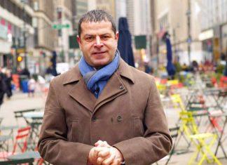 Gazeteci Cüneyt Özdemir, Youtube'a isyan etti. YouTube üzerinden yayın yapmaya başlayan gazeteci Cüneyt Özdemir, haber içeriklerine YouTube'un reklam gelirlerini kapatmasına isyan etti.