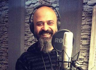 Türkiye'nin en önemli kaval ustası olarak tanınan Serdar Deli, geçirdiği kalp krizi nedeni ile hayatını kaybetti.Kaval ustası olarak tanınan genç müzisyen Serdar Deli, 27 Mart akşamı geçirdiği kalp krizi nedeniyle hayatını kaybetti.