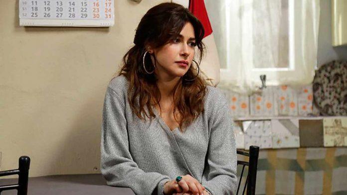 Ünlü oyuncu Nesrin Cavadzade, bir davette giydiği transparan elbisesiyle tüm dikkatleri üzerine çekti. Oyuncu, ilginç kıyafetiyle çektirdiği pozları da sosyal medya hesabından paylaştı.