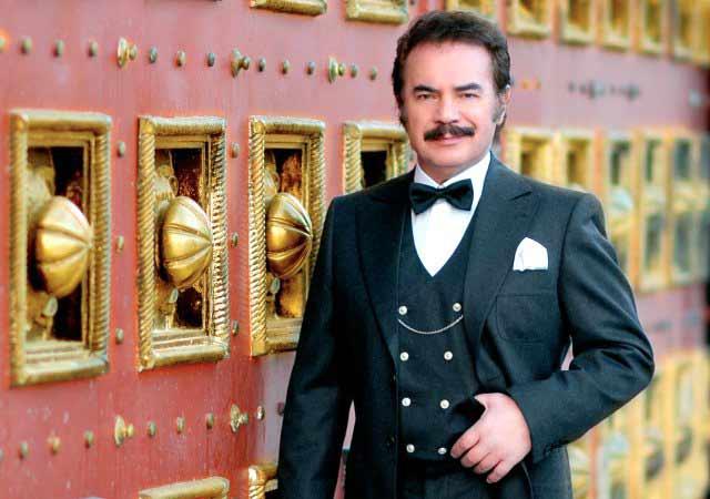 Usta sanatçı Orhan Gencebay, göğüs ağrısı nedeniyle hastaneye kaldırıldı. Orhan Gencebay'ın eşi Sevim Emre,