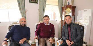 31 Mart Yerel Seçimleri'nde tekrar Alanya Belediye Başkanı seçilen Adem Murat Yücel tebrikleri kabul etmeye devam ediyor.