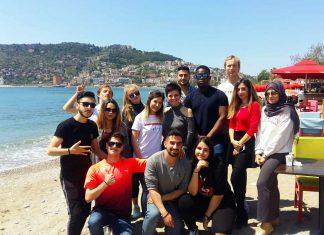 """Alanya Hamdullah Emin Paşa Üniversitesi'nde okuyan farklı ülkelerin öğrencileri """"Alanya, Türk misafirperverliğiyle muhteşem doğanın ve güzel iklimin buluştuğu dünyanın en güzel turistik şehirlerinden biri"""" dediler."""
