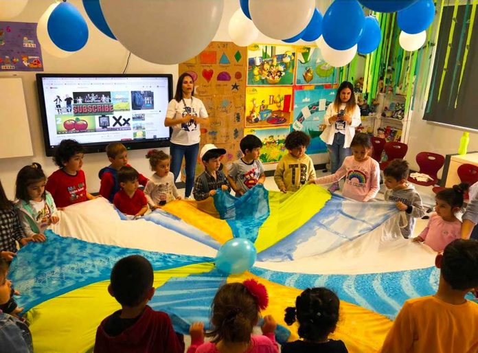 Bil Alanya Koleji'nin ikinci kez organize ettiği Bil'de 1 Gün etkinliğinde 4-7 yaş tüm çocuklar davet edilerek, onlar için 6 ayrı atölyelerde etkinlikler hazırlandı.
