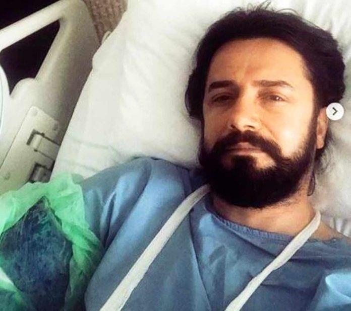 Payitaht Abdülhamid dizisinde Ahmet Celalettin Paşa karakterini canlandıran ünlü oyuncu Cem Uçan, çekimler sırasında attan düşerek hastaneye kaldırıldı.