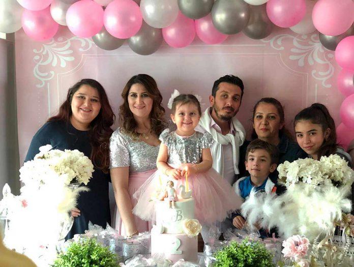 Begüm ve Tamer Arslan çifti, kızları Beren için renkli bir doğum günü partisi düzenlediler