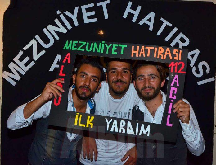 Alanya Alaaddin keykubat Üniversitesi (ALKÜ) 112 İlk Yardım Bölümü öğrencileri mezuniyetlerini No 40 Brunch & Cafe'de kutladı.