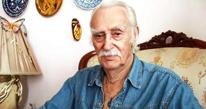 Yeşilçam'ın usta oyuncularından Eşref Kolçak hayatını kaybetti. Uzun süredir hastanede tedavi gören Kolçak'ın ölümü ünlü isimleri yasa boğdu.