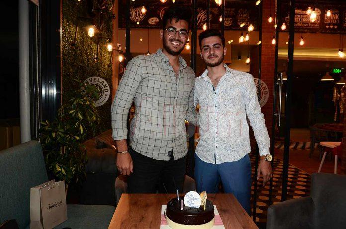 Kahveland ortaklarından Adem Çetin'in oğlu Ahmet Kemal Çetin yeni yaşını yakınları ve sevenleriyle birlikte kutladı.