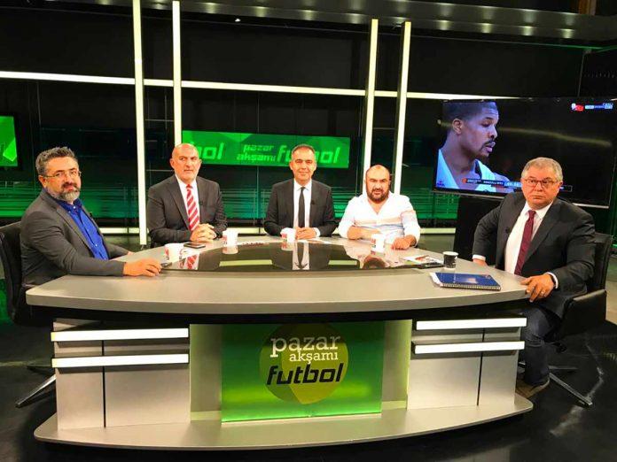 CNN Türk'te yayınlanan 'Pazar Akşamı Futbol'un son konukları Kuddusi Müftüoğlu ile Ömer Kozan oldular.