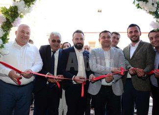 Hüseyin Parmaksızoğlu'nun sahibi olduğu Pratik Optik'in açılışı gerçekleştirildi.